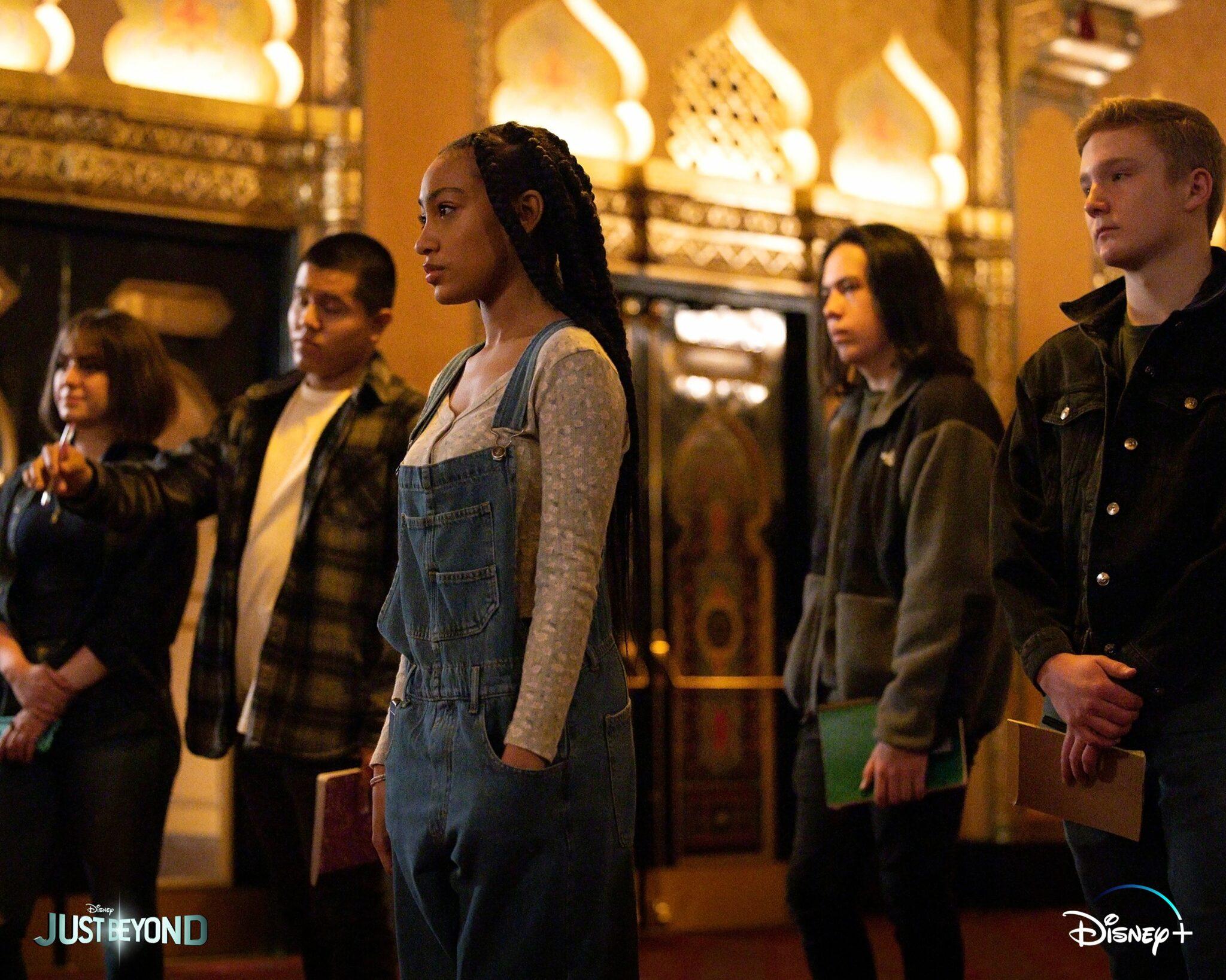 De l'Autre Côté [20th Television/Disney - 2021] E9PvXMyUcAI9KLq-2048x1638
